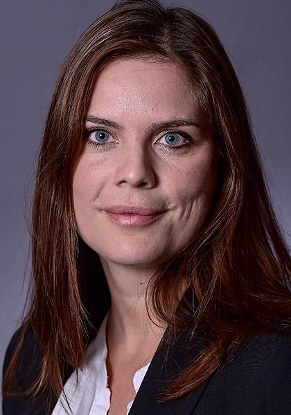 Kathrin Schirmer, Immobilienverwalter