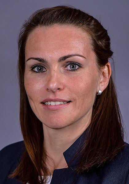 Sandra Lux, Immobilienverwalterin